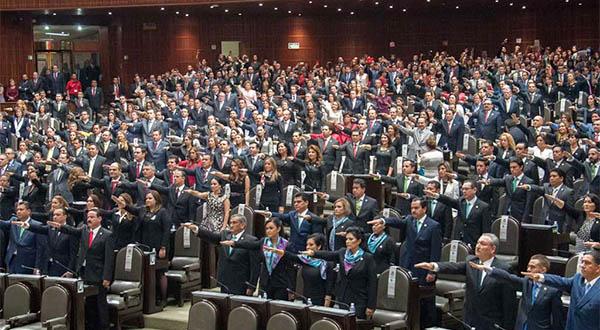 La ciudadanía debe hoy asumir el papel de dique, frente a la tentadora mayoría de AMLO