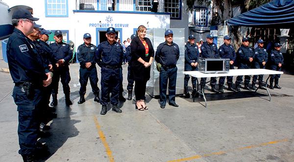 Presidenta del DIF Municipal realiza donación a la Dirección de Seguridad Pública, Vialidad y Protección Ciudadana