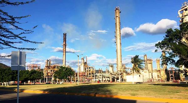 Controlan incidente menor en la refinería